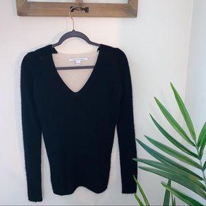 Diane Von Furstenburg 100% cashmere sweater